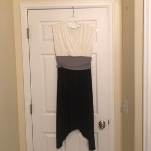 NY&Co black, white & grey dress w asymmetrical hem